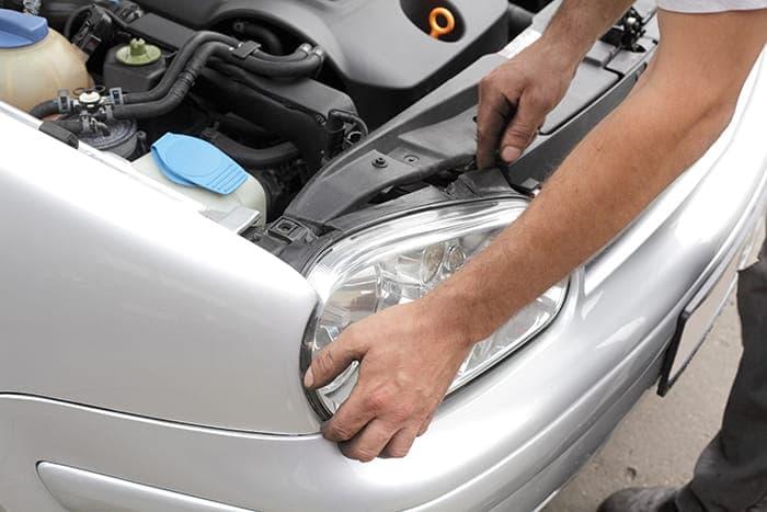 Phoenix car maintenance - changing a headlight